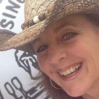 Beth MacDonald's Profile on Staff Me Up