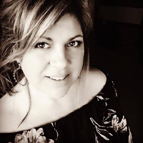 Julie Pennini's Profile on Staff Me Up