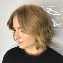 Elina Jan's Profile on Staff Me Up
