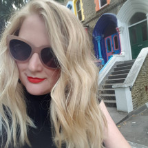 Lindsay Robertson's Profile on Staff Me Up